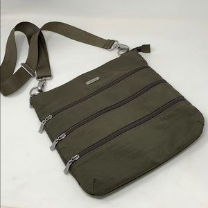 Baggallini Olive Green Large Crossbody w/Pouch